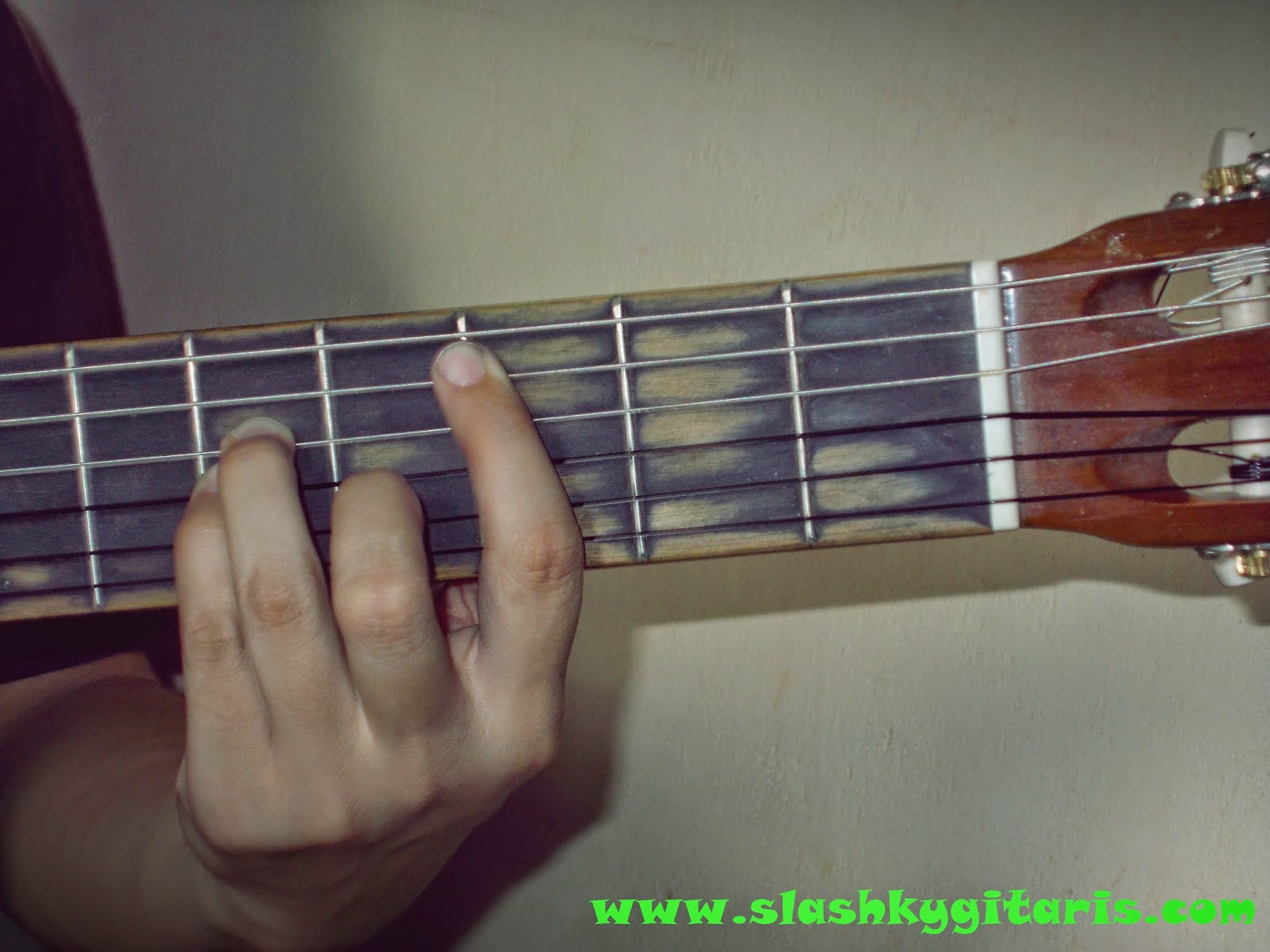 belajar chord gitar, belajar gitar, belajar gitar pemula, belajar kunci gitar, kunci gitar, video guitar,