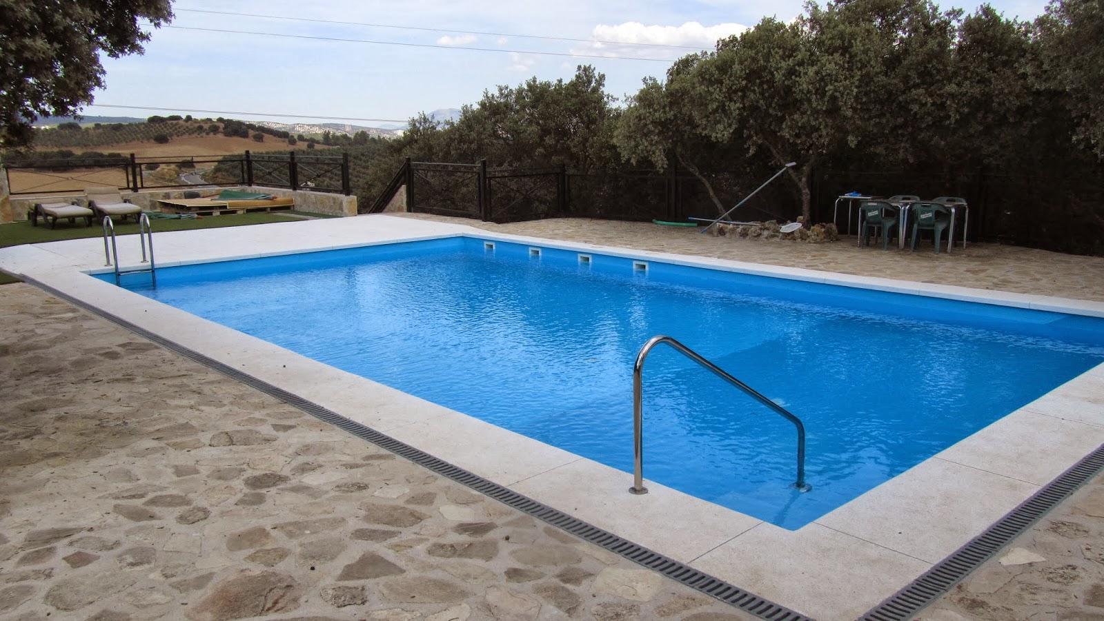 Casa rural villabuona nuestra fant stica piscina de agua for Piscina agua salada