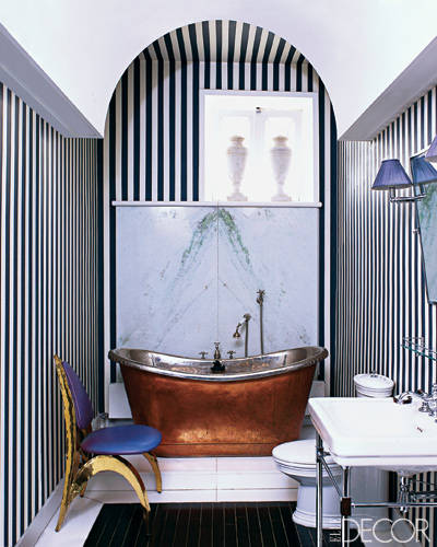blog.oanasinga.com-interior-design-photos-striped-walls-bathroom-jamie-creel-marco-scarani-paris