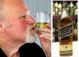 Denis Duthie perdió la vista a causa del vodka y la recupero a causa del whisky