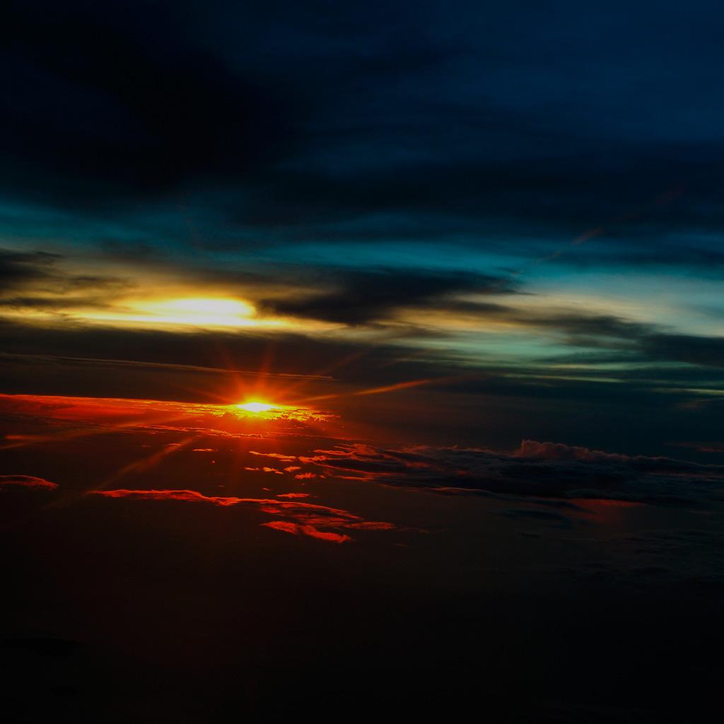http://3.bp.blogspot.com/-nNPyjfz6zJU/T9geLyinl2I/AAAAAAAARvU/IgHAd_cEb_4/s1600/beautiful+sky+wallpaper+(22).jpg