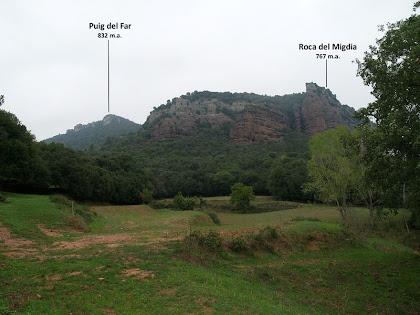 Vista parcial dels Cingles de Vilanova des de la Vileta Grossa