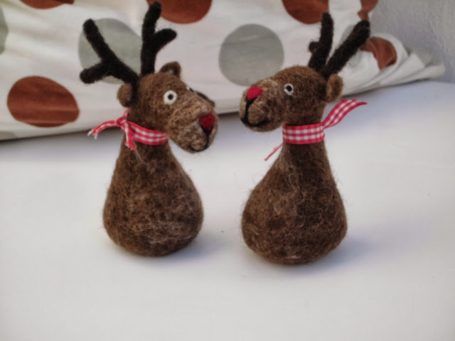 Moose Pair - Felt christmas decoration by Mirtilio