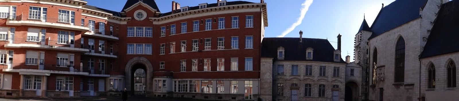 Patrimoine hospitalier l h tel dieu de bourges audrey for Hotel burgeis