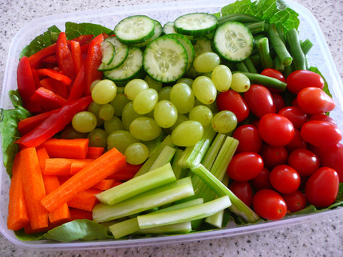 to live a healthy life by eating mostly raw food living. A fresh food ...