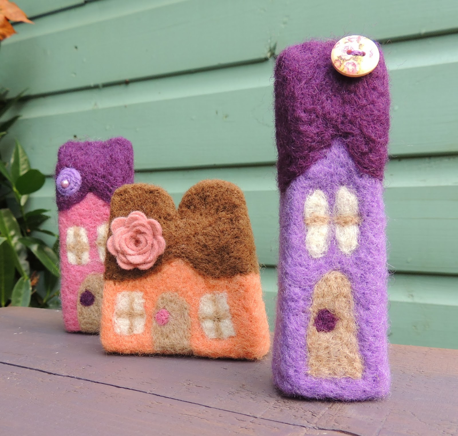 http://www.tigerlilymakes.co.uk/catalogue/4581823965/Needle-Felted-Cottage-Collection/7270887