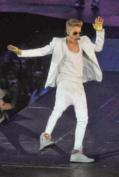 Justin Bieber Metallic Gloves Hairstyle