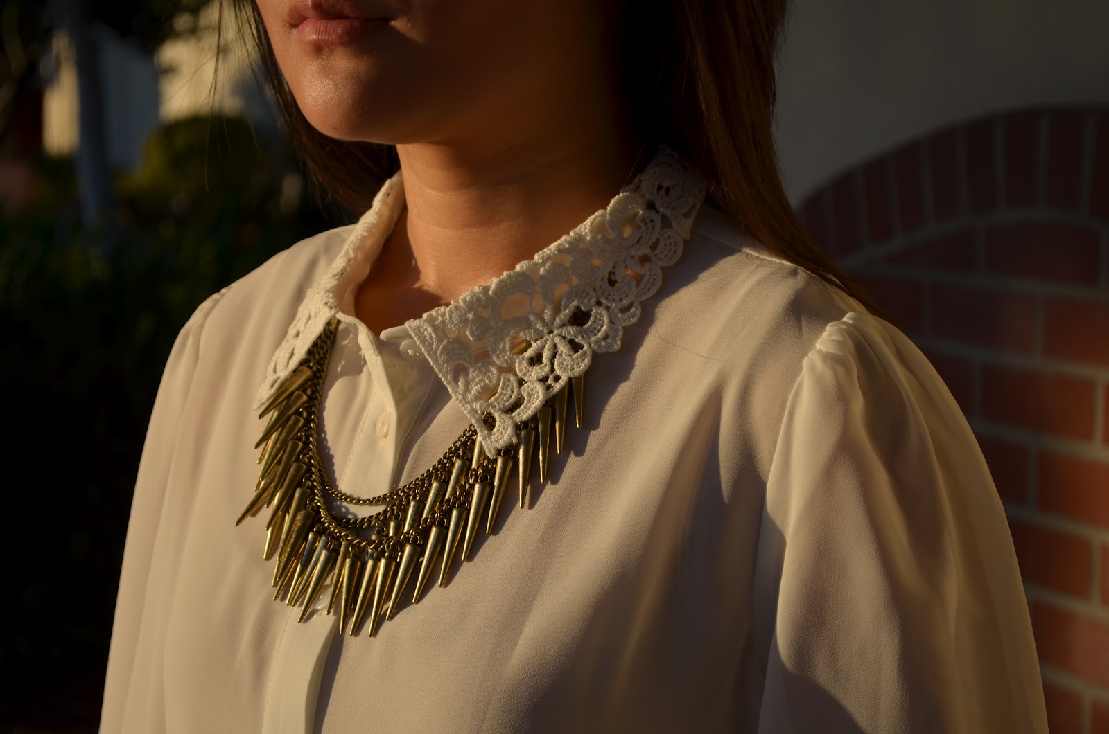 forever 21, forever 21 blouse, spikey necklace, spike, spike necklace, lace collar