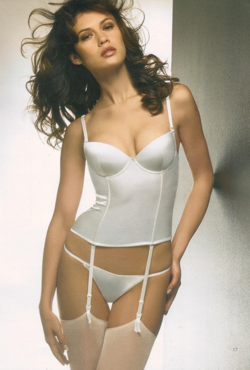 Olga Kurylenko nude collection ~ Beautiful Big Boobs Nude: makingveganbabies.blogspot.com/2013/01/olga-kurylenko-nude...