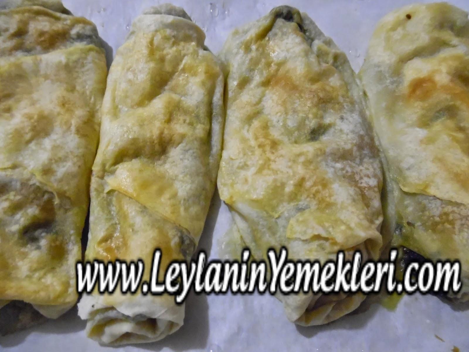 Beşamelli Ispanaklı Börek Tarifi