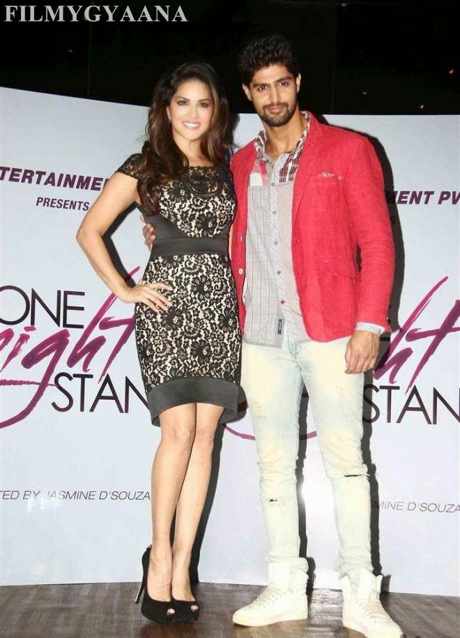 sunny leone spicy images