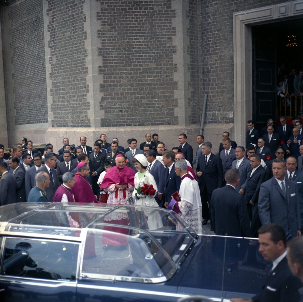 7/1/62, Mexico: JFK &amp; the bubbletop