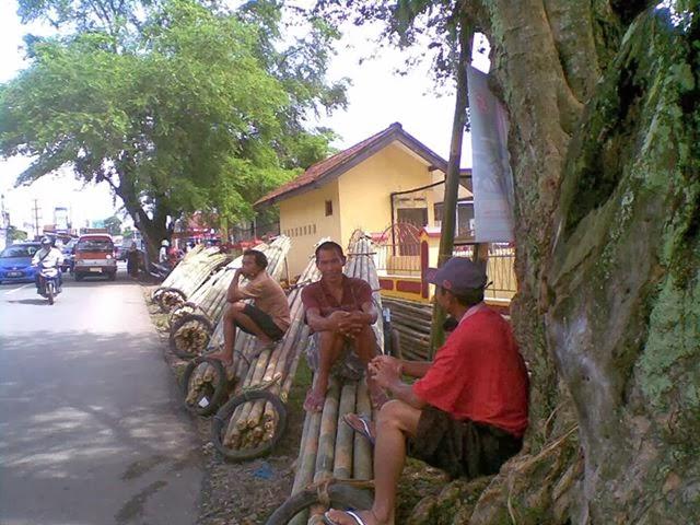 Penjual Bambu Purwokerto