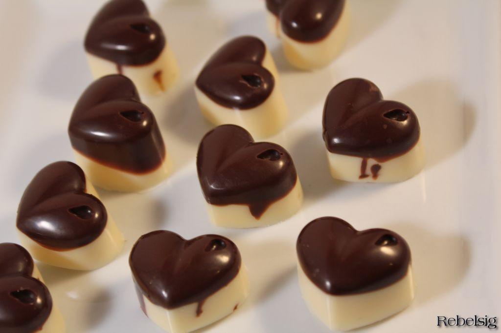 Livet i Rebelsig: Fyldte chokolader med lakrids og baileys/karamel