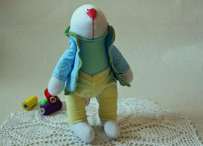 заяц игрушка, заяц из флиса