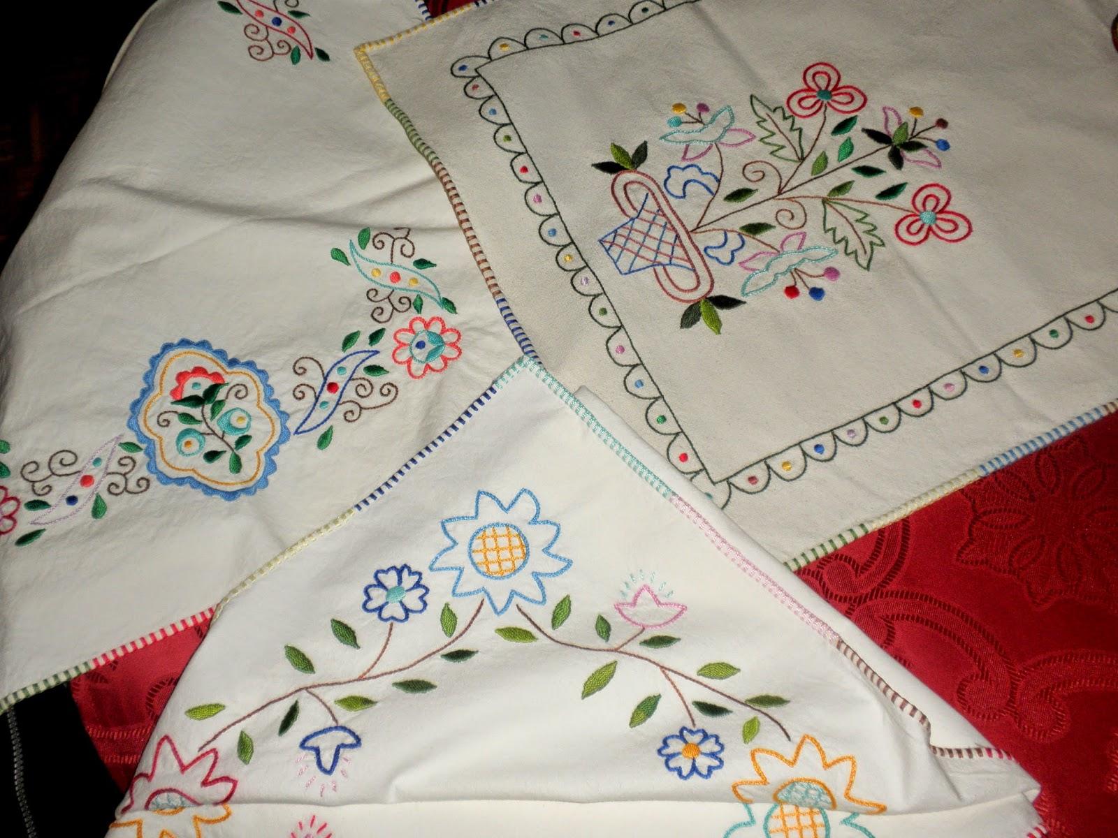 Manteles pintados para bordar hermosos manteles pintados - Manteles de mesa bordados ...