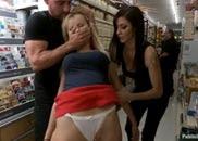 Fazendo Sexo na Locadora de DVD
