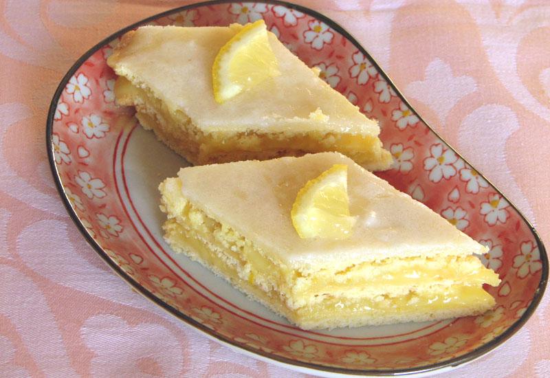 Prăjitura cu foi şi cremă de lămâie