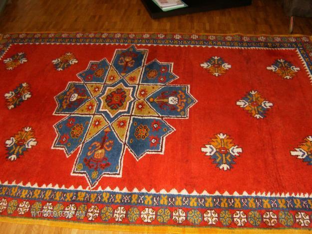 tapis berbere marocain magnifique tapis marocains. Black Bedroom Furniture Sets. Home Design Ideas