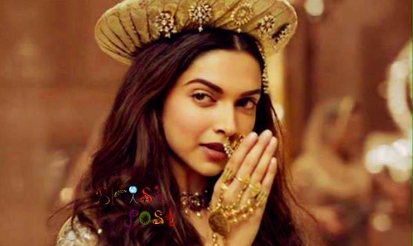 Deepika Padukone greeting Salam to Bajirao Ranveer Singh in Deewani Mastani song