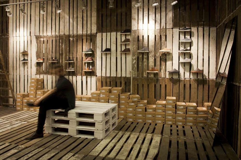 Ideas Decoracion Zapateria ~   estudio interiorismo Tienda de zapatos temporal realizada con palets