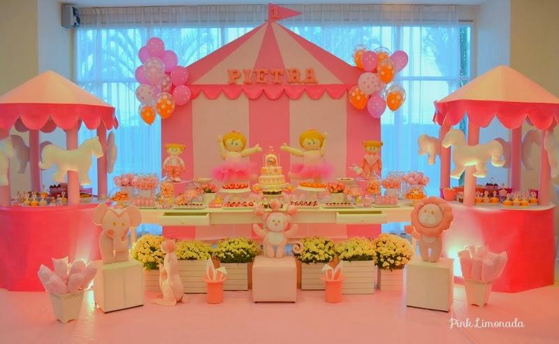 Circo cor de rosa