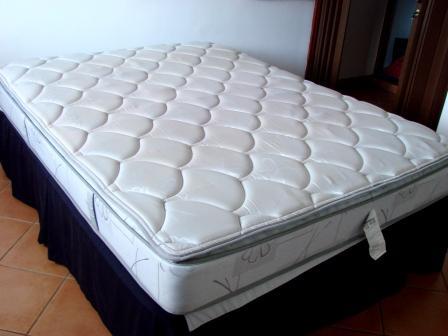 Venta de suzuki grand vitara y muebles reservada cama for Cama queen precio