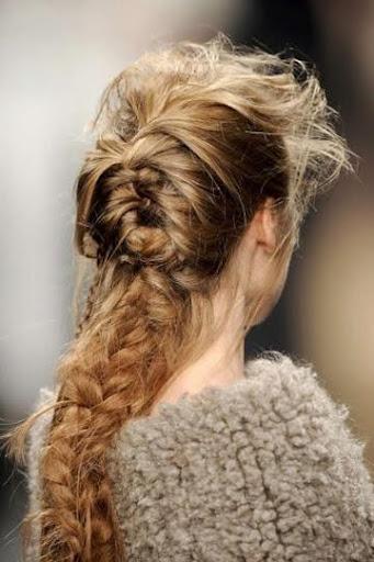прическа със сплетена коса есен-зима 2011-2012