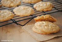 Cookies de nueces de macadamia con gotas de chocolate blanco