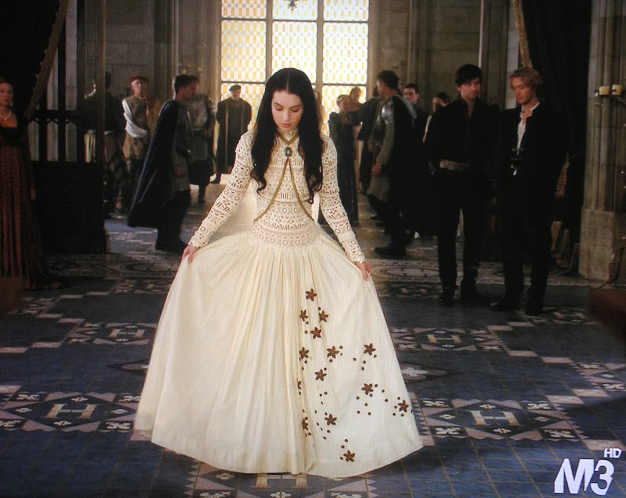 Dolorous Dolorous Jewelry On Reign S Mary In The New Episode,Sample Sale Wedding Dresses Uk