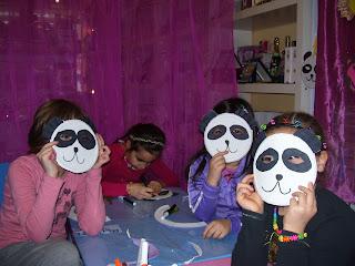 maschere il carnevale degli animali con piatti di carta - lavoretti per bambini con piatti di carta - laboratori creativi e letture animate per bambini roma