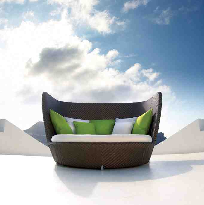 Avant garde modern furniture blog the great outdoors for Outdoor furniture modern