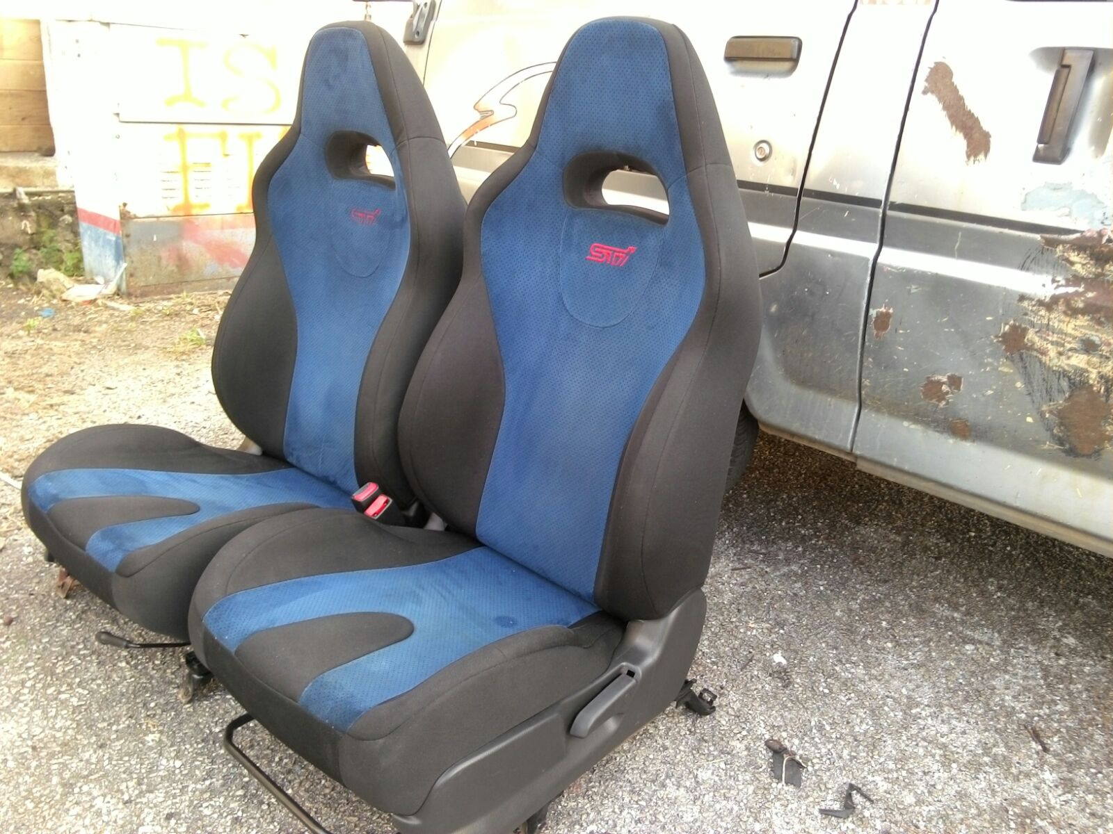 Dingz garage seat subaru sti version 8 sti for Garage seat aubagne