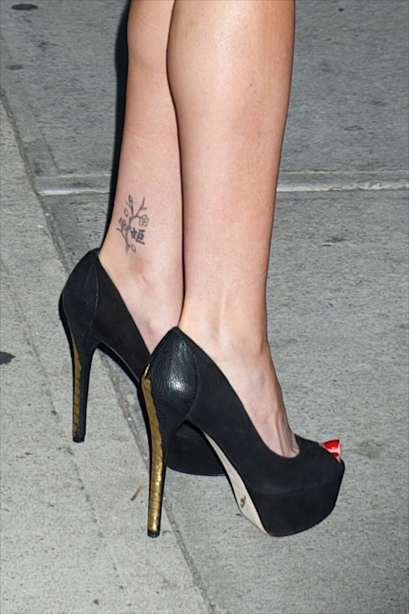 Sarah Michelle Gellar's Tattoos