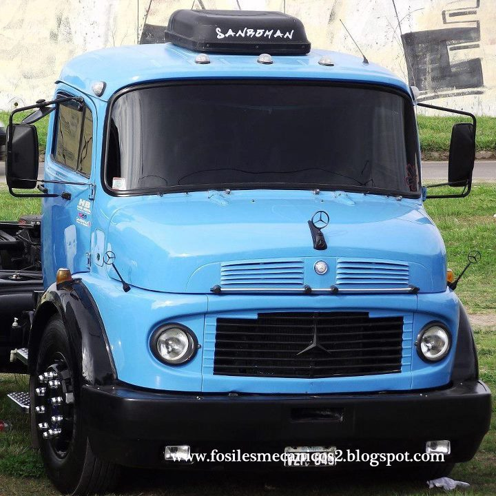 fosiles mecanicos 2 camiones mercedes benz. Black Bedroom Furniture Sets. Home Design Ideas