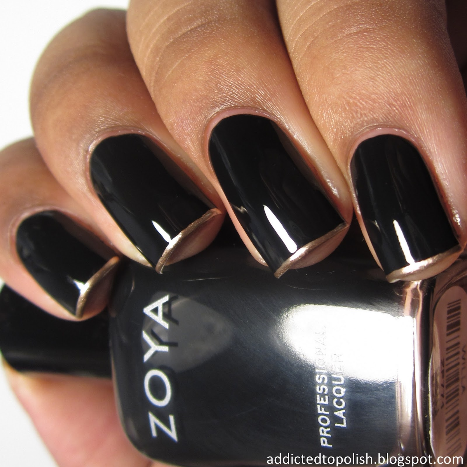 black-gold-french-tips
