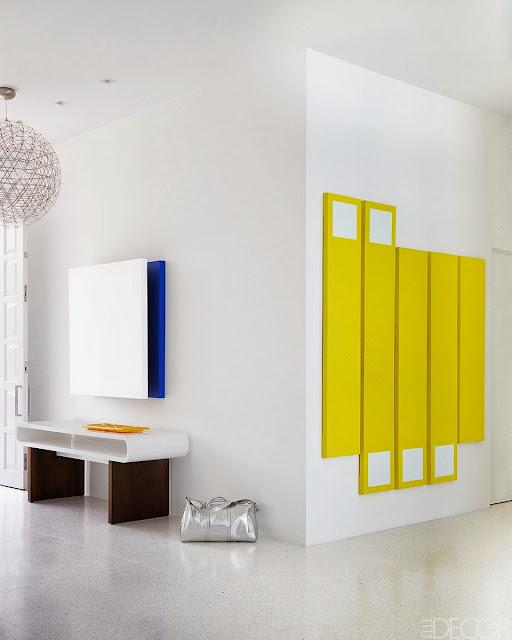 Interior Minimalis Penuh Warna 3