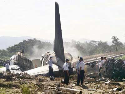 kabar--aneh.blogspot.com - 5 Kecelakaan Pesawat Terparah Di Indonesia