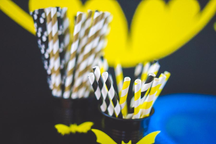 pailles jaune noire