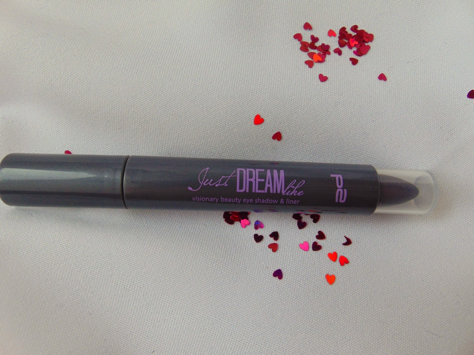p2 Limited Edition: Just dream like - visionary beauty eye shadow & liner - Modern Violet - www.annitschkasblog.de