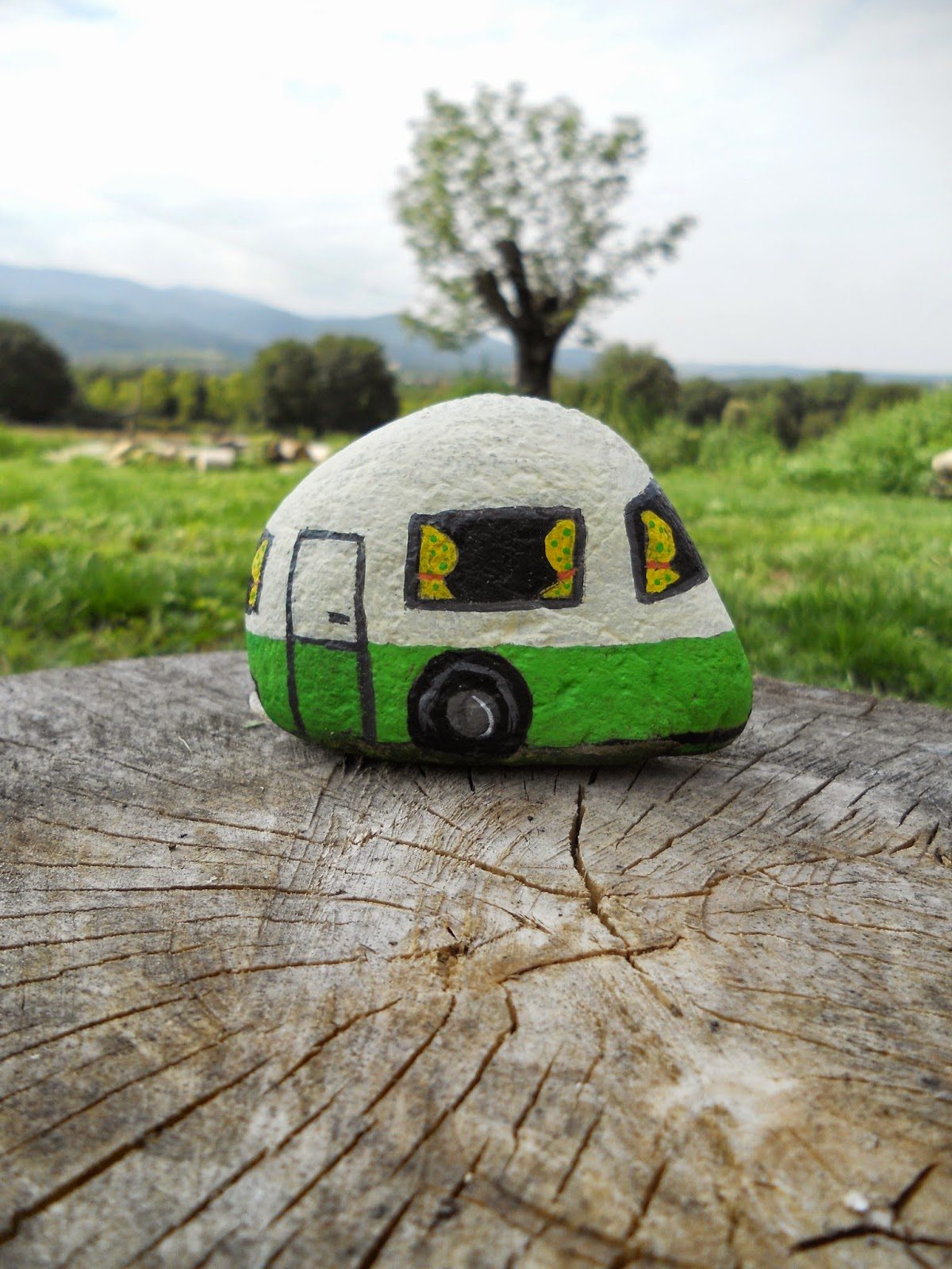 piedra pintada caravana