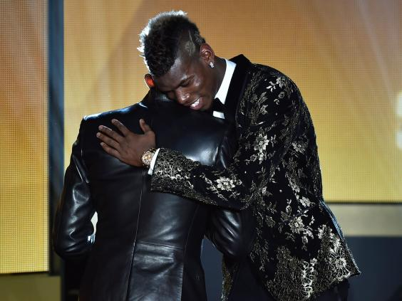 Eto'o y Pogba en la gala Fifa Ballon d'Or awards