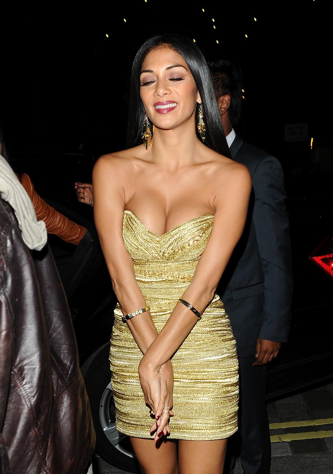 Nicole Scherzinger Cleavage Nude Photos 90