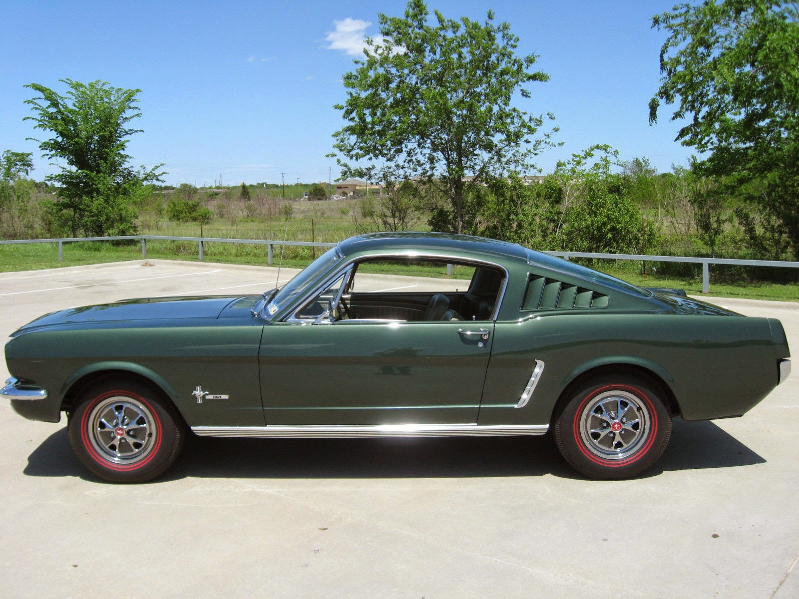 This car is registered in the t 5 registry there are only 76 1965 t 5 mustang s known to exist worldwide 33 coupes 17 convertibles and 26 fastbacks this is