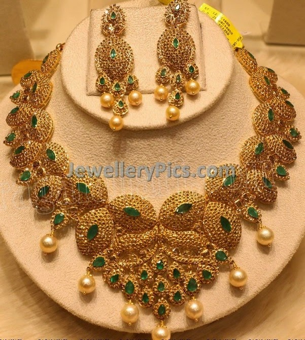 heavy chakri diamond and emeralds necklace