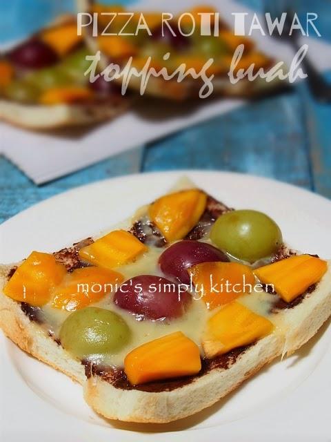 pizza manis roti tawar topping buah