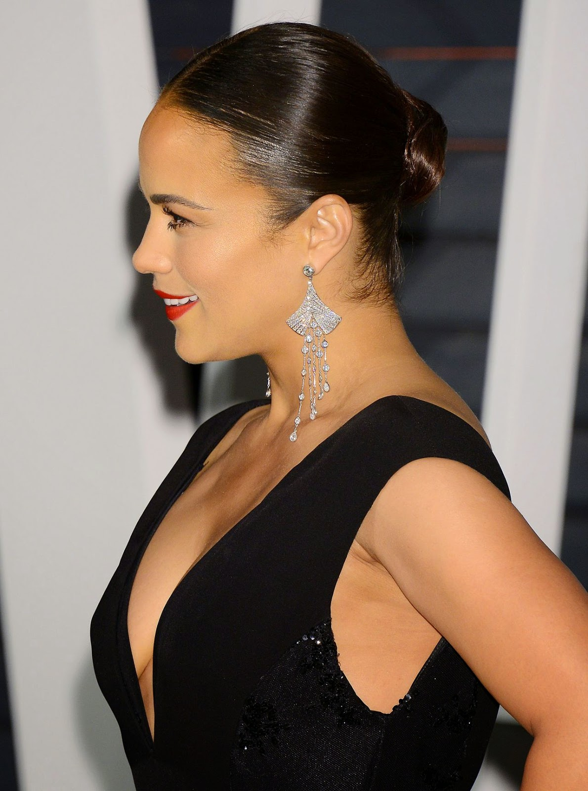 Paula Patton – 2015 Vanity Fair Oscar Party in Hollywood