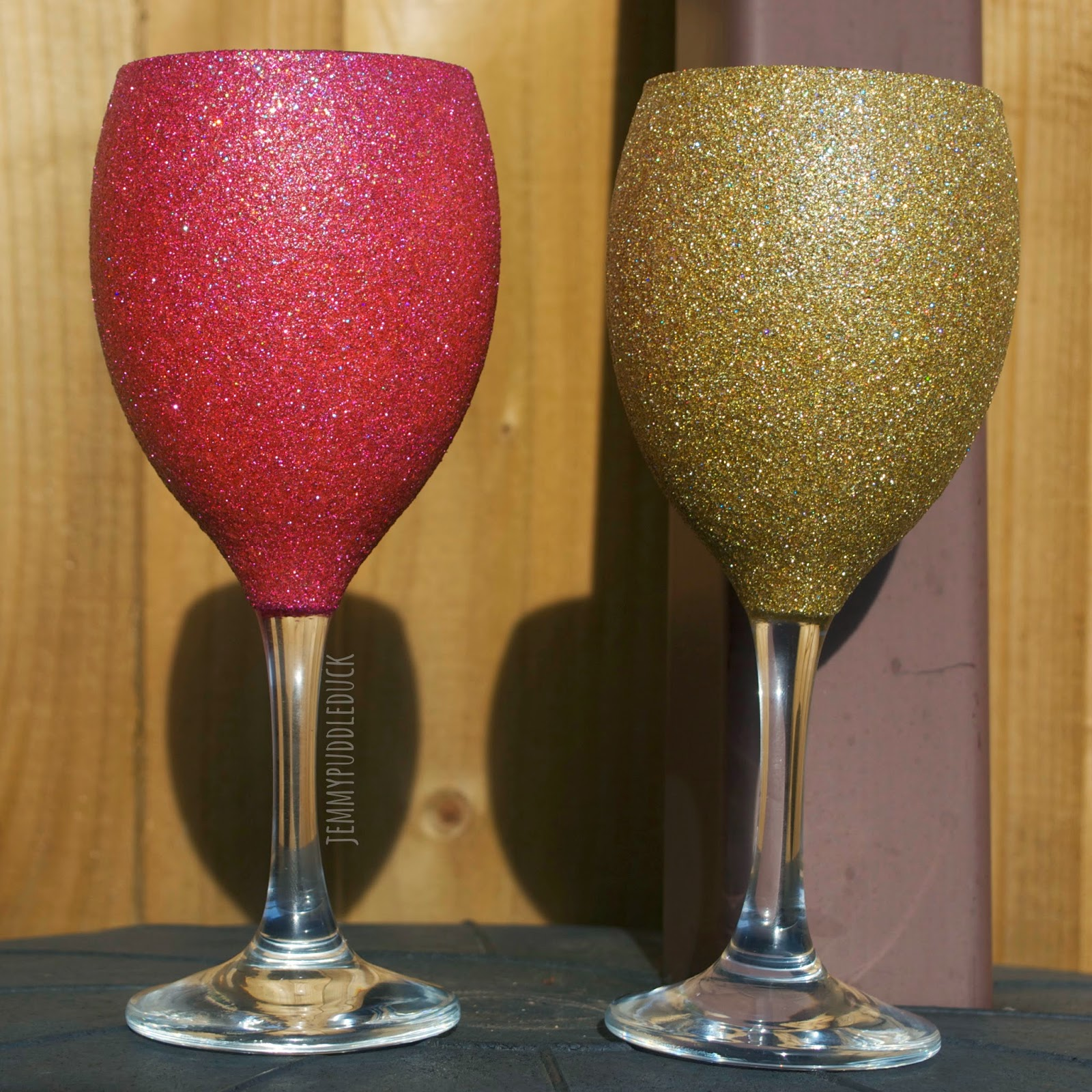 magic glitter wine glasses