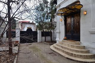 http://www.profiledecorative.ro/2014/09/Profile-Decorative-Cornisa-Solbanc-Ancadramente-Brau-Soclu-Coloane-Arcade-Cheie-Bolta.html