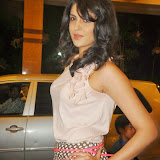 actress-deeksha-seth-pictures-3